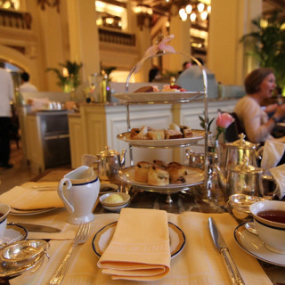 Hong Kong Day 2: Afternoon Tea in the Peninsula